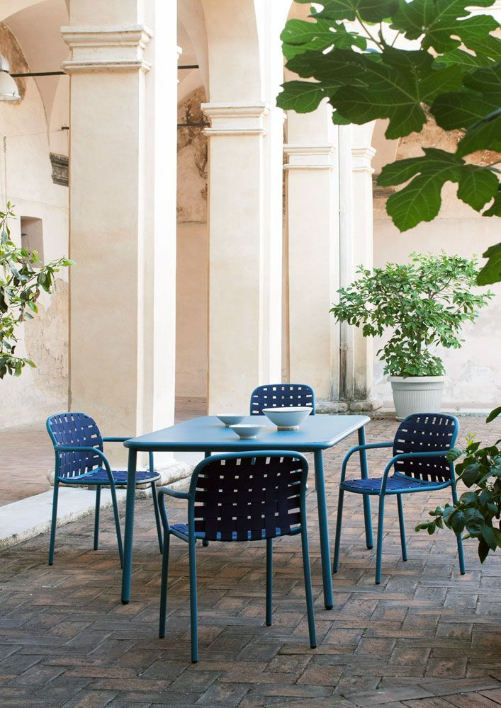 Outdoor furniture: dining al fresco, Yard chair, Stefan Diez, Emu, 2015