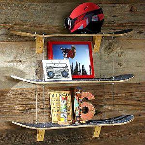 Skateboard Regal selber bauen aus recycelten Skateboards http://www.fancybeast.de/design-lifestyle/skateboard-regal-selber-bauen-recycelten-skateboards/ #ad #Skateboard #Skater