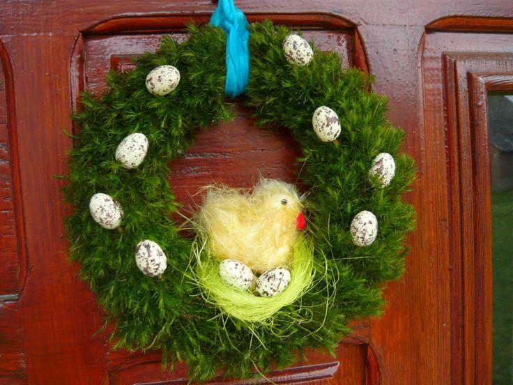 Diy - Moss wreath at the door