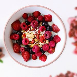 berry smoothie bowl brisbane photography