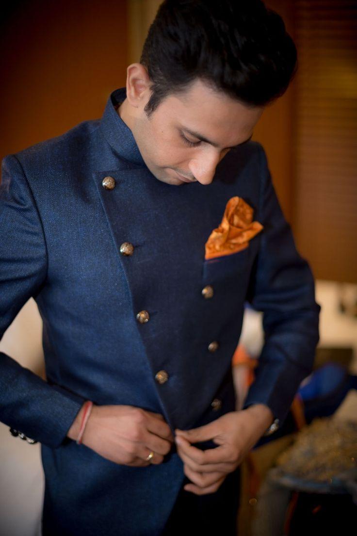 destination-Wedding-photographer-mumbai-groom-getting-ready