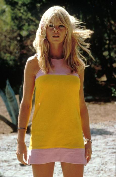 Brigitte Bardot // colorblock shift dress // St. Tropez // fashion icon // style idol // iconic women // 1970s // 70s