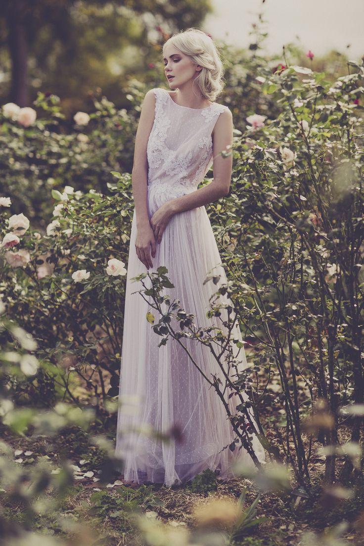 apple cheeked blossom - Julia Trotti Photography | Botanical garden autumn steez