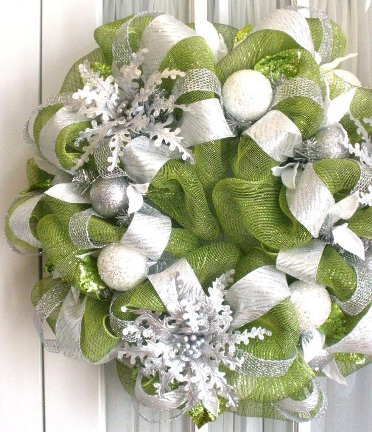Green and silver ribbon wreath, Southern Charm Wreaths