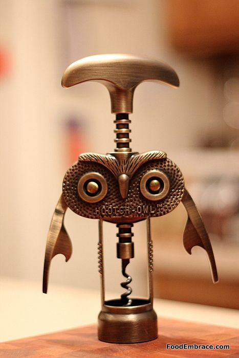 Owl wine opener