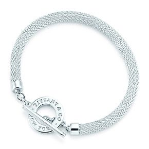 Tiffany Somerset™ toggle bracelet in sterling silver, medium.