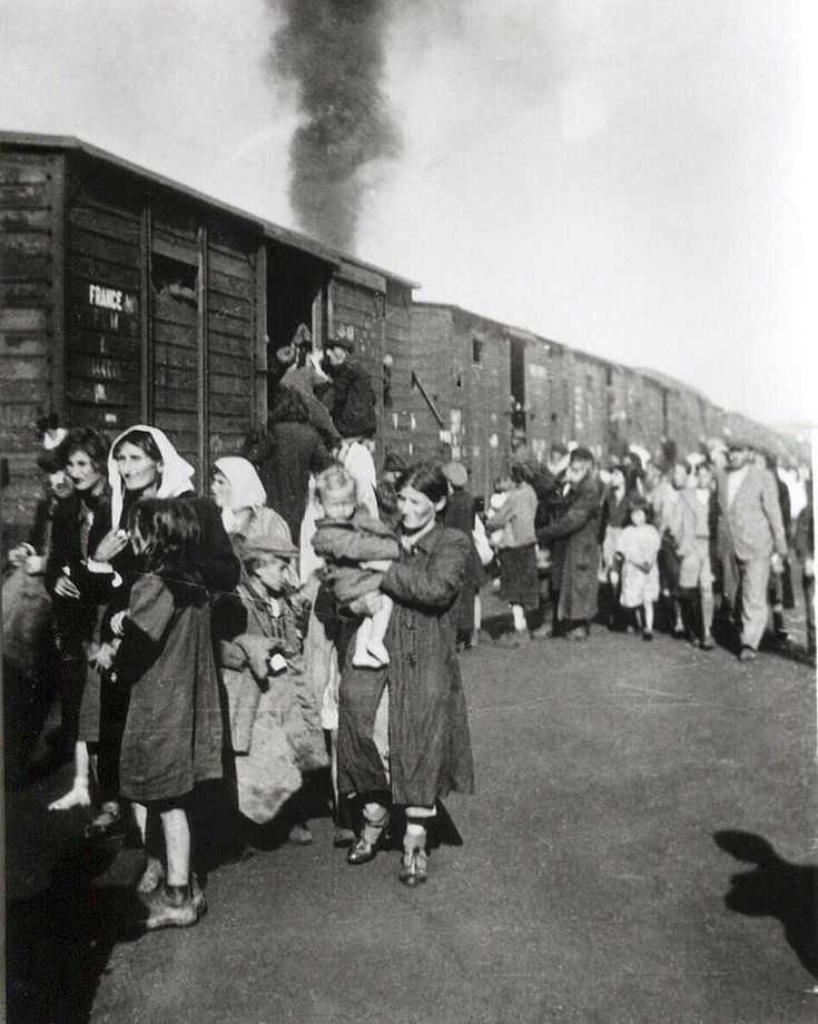 Deportation to Treblinka from ghetto in Siedlce 1942