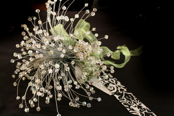 How to make your own sparkly crystal bouquets