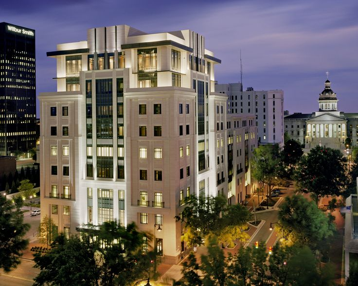 First Citizens Bank Headquarters, Columbia, SC | ©2013 Robert Benson Photography | Lighting Design: Cline Bettridge Bernstein Lighting Design