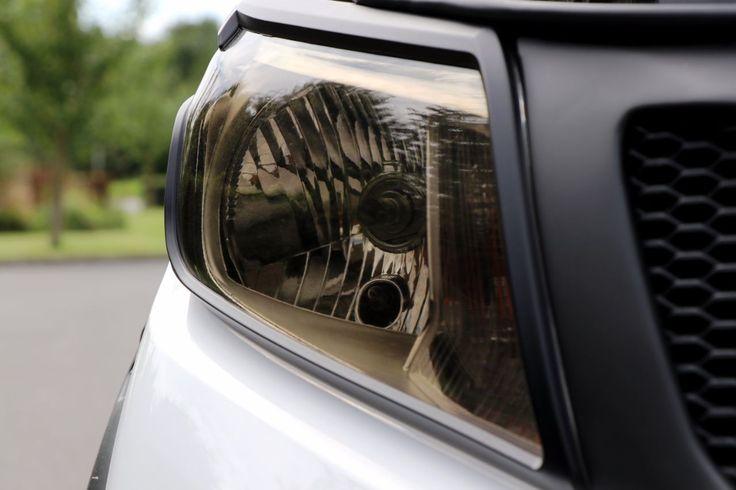 Nissan Navara 2.3 NP 300 Seeker Tungsten Edition 3.99 aer option Pick Up Diesel White