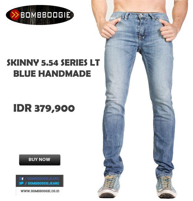 Jeans Handmade ini pas banget di padukan Polo Shirt Bombboogie mas bro IDR 379,900 >> http://ow.ly/uZKkr