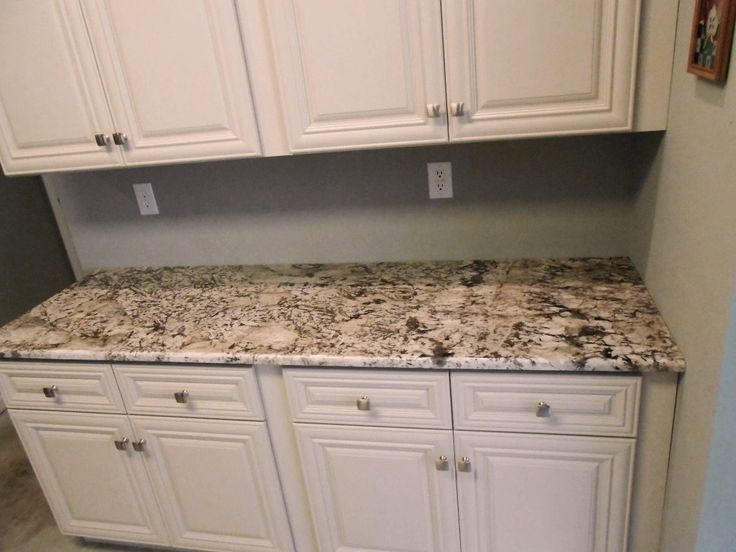 Bianco antico 8 10 13 ideas for my future kitchen for Examples of granite countertops in kitchens
