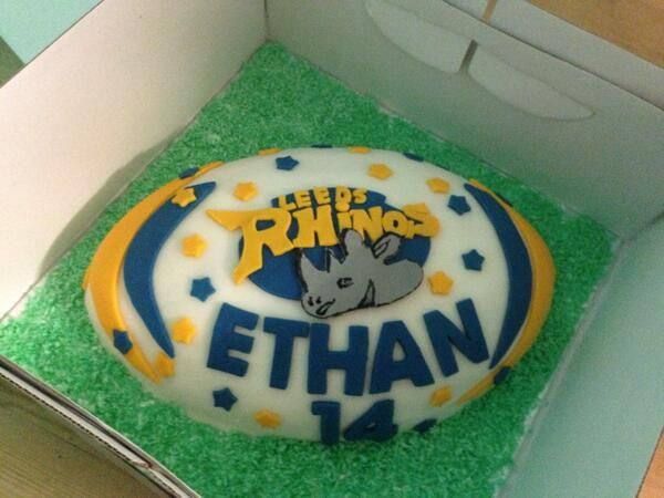 Cake Decorating Company Leeds : 1000+ images about Leeds Rhinos cakes on Pinterest Logos, Ryan hall and Leeds