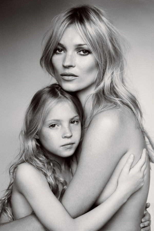 mother daughter nude portrates