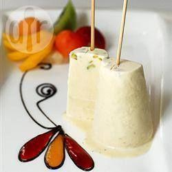 Essa é uma receita simples de Kulfi (sorvete indiano) de leite condensado com cardamomo