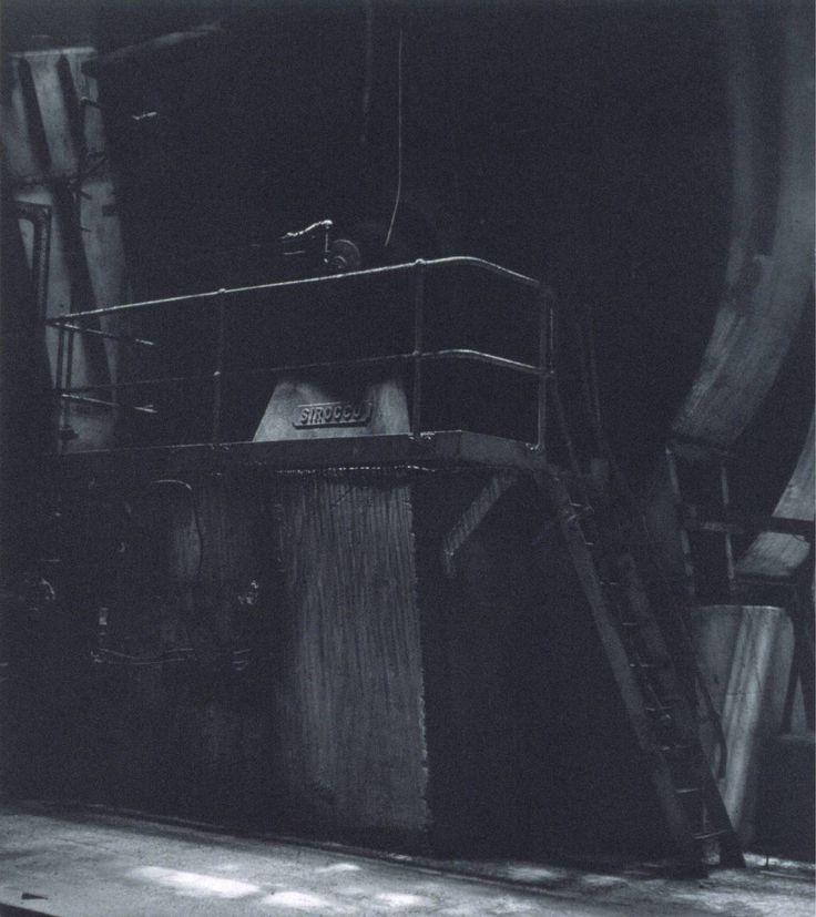 blaaargh:  Craigie Horsfield, Bankside Power Station, London. December 1994, 2000