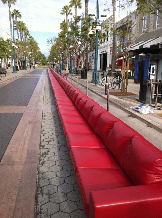 world 39 s longest sofa boconcept awesomeness. Black Bedroom Furniture Sets. Home Design Ideas