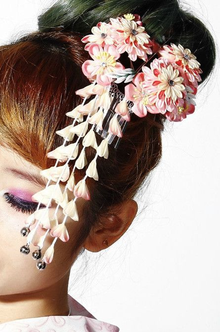 cherry blossoms - the kanzashi hairpin