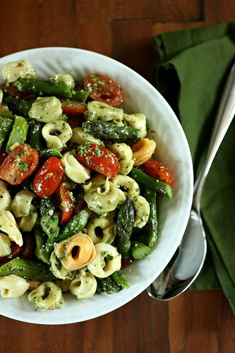 Tortellini Salad with Pesto, Asparagus, and Tomatoes