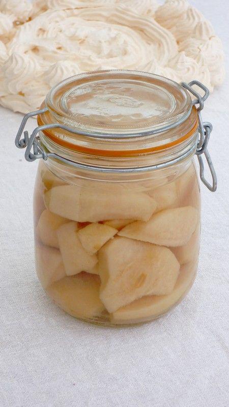 Pavlova poires et sauce caramel au beurre salé