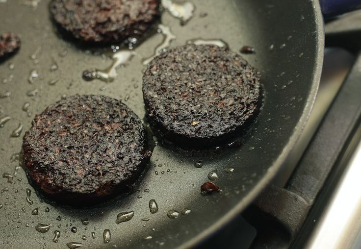 Forget Broccoli - The Superfood Of 2016 Is Fry-Up Favourite BLACK PUDDING  - One  thing you wouldn't expect when compiling your superfood diet now that January is here would be something you'd find on a fried breakfast.  The addition of black pudding to the superfood list will be something of a shock to most, and Darren Beale from MuscleFood.com is just as surprised.  The black