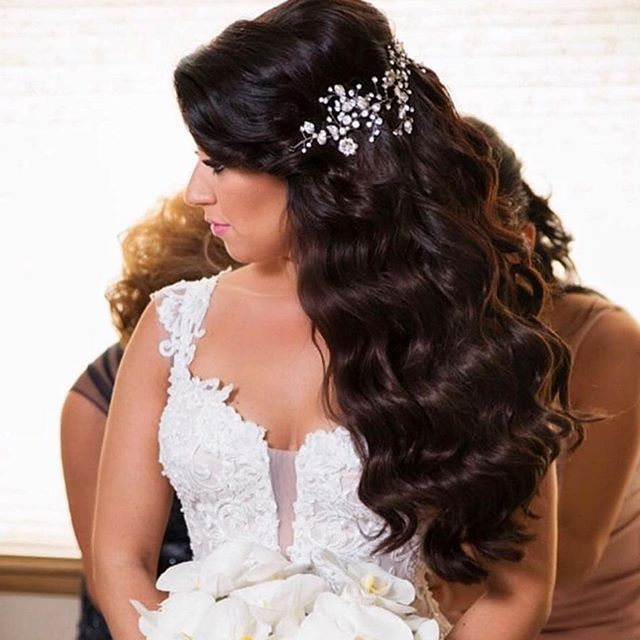 Fabulous Flowing Waves Accented With A Gorgeous Crystal Vine