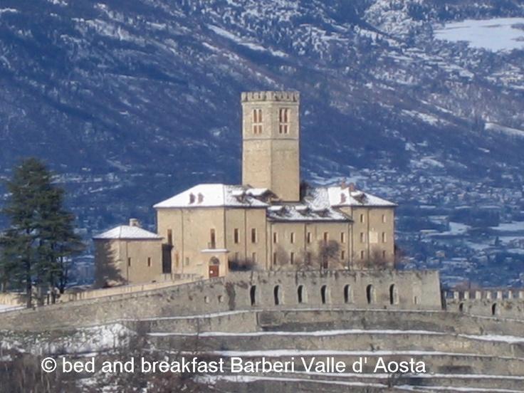 Castello di Sarre sotto la neve  #italian #alps #aostavalley #nationalparkgranparadiso #granparadiso #nationalpark #travel #holiday #castles