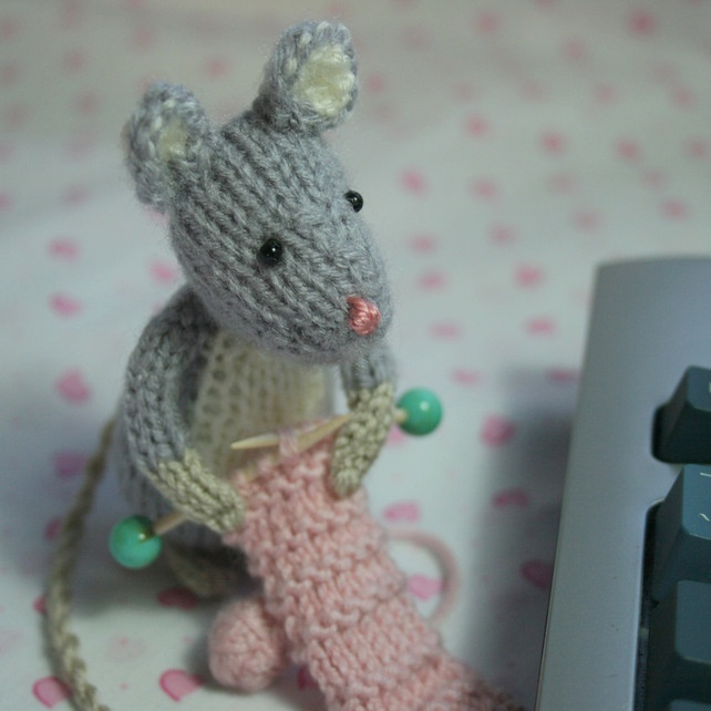 Knitting Pattern Mouse : 17 Best images about Knitting Animals Mouse on Pinterest Baby toys, Knit pa...