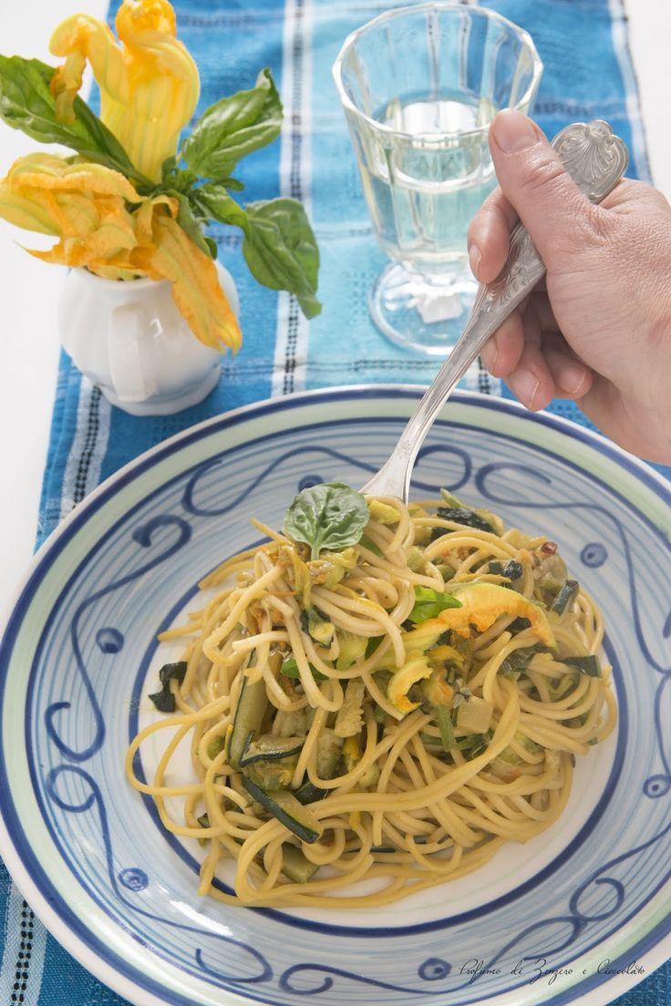 Spaghetti ai fiori di zucca piccanti