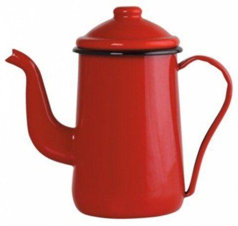 As Lojas Patt tem conjuntos de acessórios para repaginar a cozinha inteira; o bule para café tradicional, vermelho, deixará o café da tarde com jeito de filme antigo. Por R$174, com cabo e pegador da tampa em aço esmaltado.