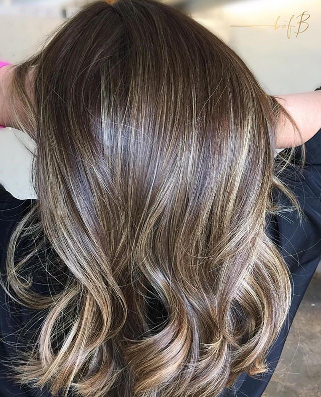 Epic Babylight Blend by #bofbartist @cynlovesbalayage  __________________________________________________ Lovingly lightened with @jackwinncolor and protected by the power of @olaplex