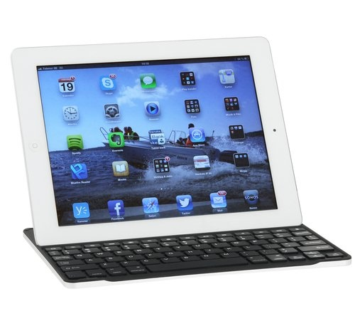 New Keyboard for iPad from Gear by Carl Douglas