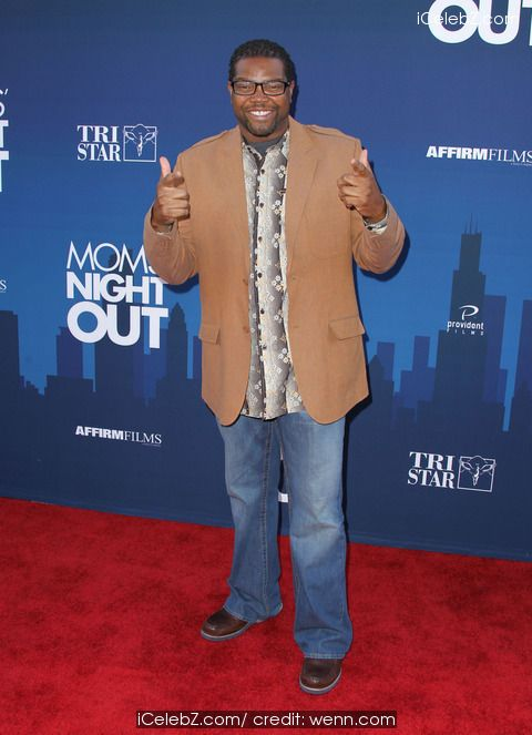 Bone Hampton  Premiere of 'Mom's Night Out' held at the TCL Chinese Theatre IMAX http://www.icelebz.com/events/premiere_of_mom_s_night_out_held_at_the_tcl_chinese_theatre_imax/photo6.html