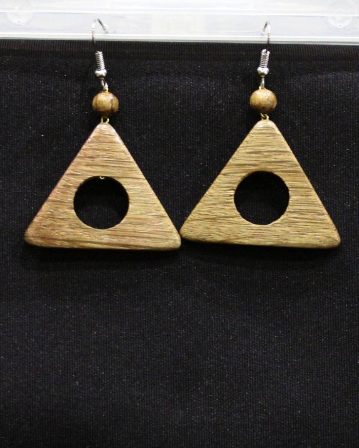 Серьги в форме треугольника из дерева вср443