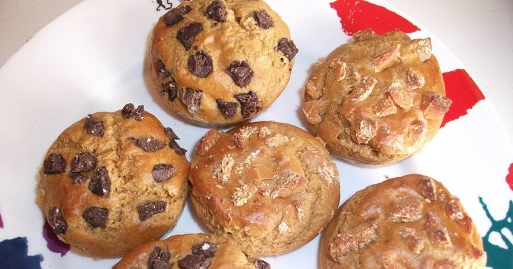 INGREDIENTES:   3 CS Salvado de avena 1 huevo 1 CS maizena rasa Chocolate en pipitas ( congelar mas tiempo la nocilla dukan, para acceder...