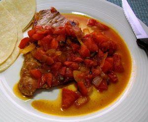 """Una mexicanísima carne con sólo 5 ingredientes: Bistec """"a la mexicana"""" -- con tomate, cebolla y chile."""
