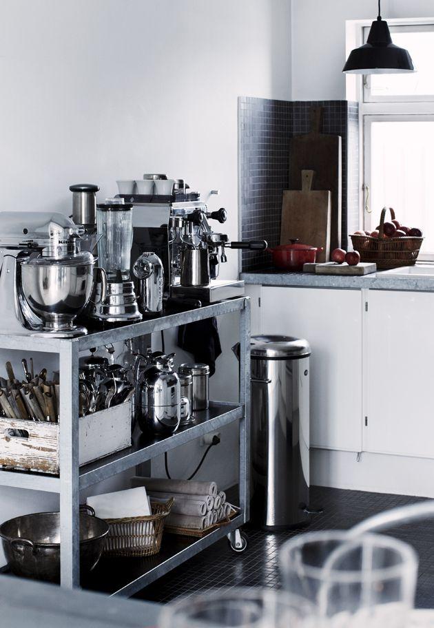 Drømmer du om et nyt køkken? Vi har samlet 25 smukke køkkener i forskellige stilarter. Om du har et stort eller lille køkken er der helt sikkert noget for dig