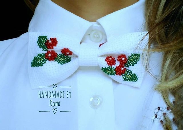 Woman  New Fashion Bowtie - totally handmade by Rami 😀😉 Donne non avete paura di indossare ciò che vi incuriosisce! 💖  #handmadebyRami #lemaddine #lifestyle #accessories #style #fashion #luxury #new #hechoamano #color #crossstich #creativemamy  #bowtie #picoftheday #cool #madeinitaly #awesome #cute #queen #gioielli #woman #holiday #christmasgifts #wowp #handmade_ru_jewellery #etsy #beads #embroidery #queen #special #goodafternoon