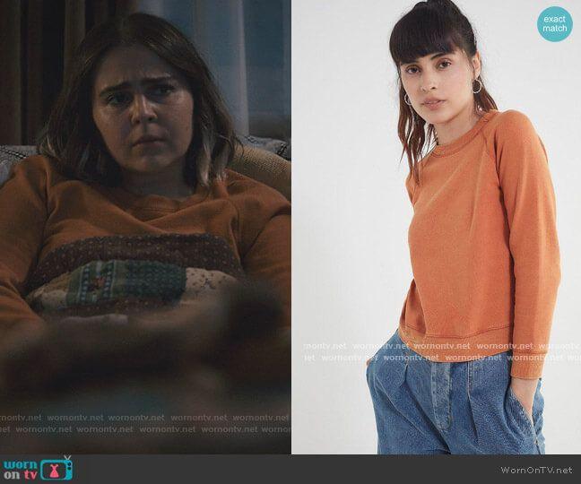 Annie S Orange Sweatshirt On Good Girls In 2021 Cool Girl Orange Sweatshirts Latest Outfits