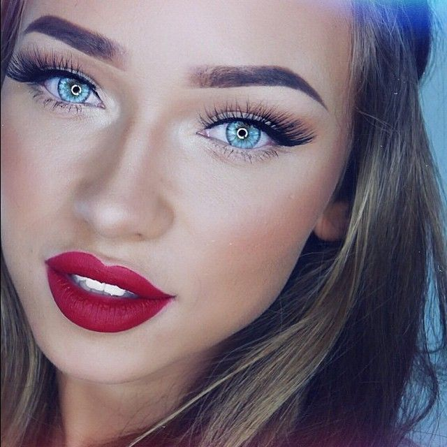 With eyes as blue as ________!  Look features #ESQIDO #Lashes in Lashmopolitan by @liza_lash.  See the style: http://esqido.com/products/lashmopolitan