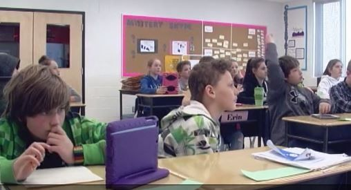"NEWSCAST - ""Two local Canadian teachers unions are calling on the Limestone School Board to get rid of WI-FI in area schools. The unions say there is growing evidence that the wireless technology may pose health risks."" CANADA  http://www.ckwstv.com/2016/03/10/wifi-schools/"