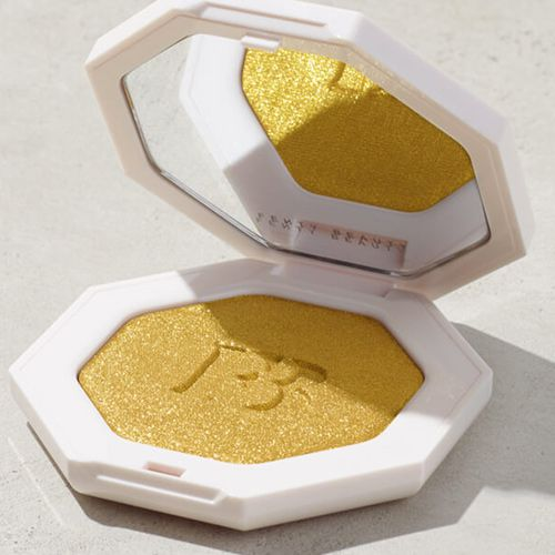 5 Funds-Pleasant Drugstore Dupes For The Fenty Magnificence Trophy Spouse Highlighter