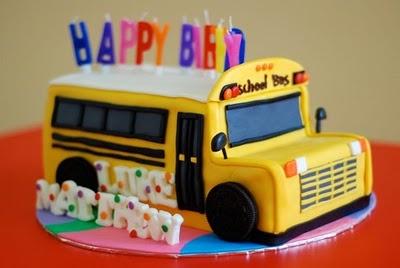 bus cake (bus birthday blog)