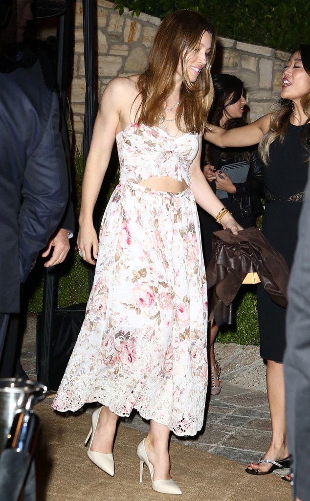 Jessica Biel from The Big Picture: Today's Hot Pics  The actress is seen in florals with her husband at a pre-Oscar party.