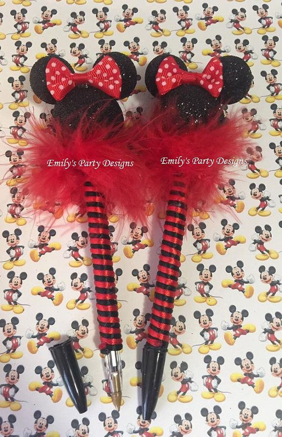 These cute pens are handmade decorated with the silhouette of mickey / minnie mouse, you can used like party favor of your event. Pen has black ink and the price includes personalized and cellophane bag.  Minimum order 6 pieces.  Note: When the ink runs out you can buy Bic brand pen, and change ink cartridges. Just pull the used one from the tip, and insert the new one.