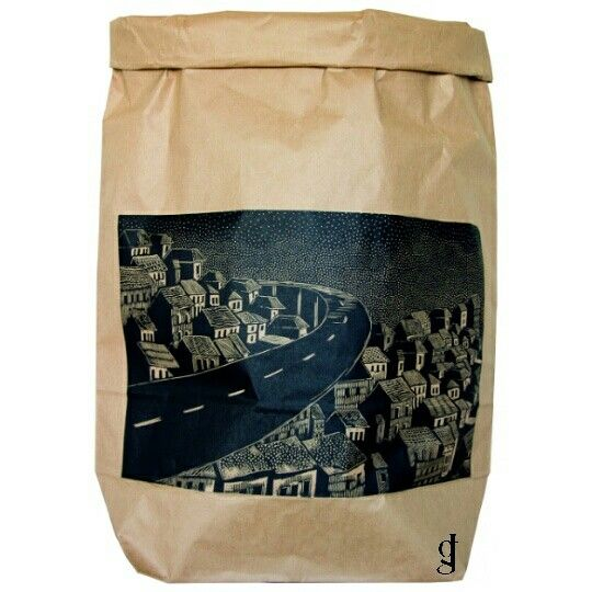 #bag #paper #whale #city #night #linocut #graphics #grafika #artist #art🎨 #art #jagrafka #poland #linoryt #myproject #dyplom #dekoracje #decoration #homedecor #house #home #dom #toys