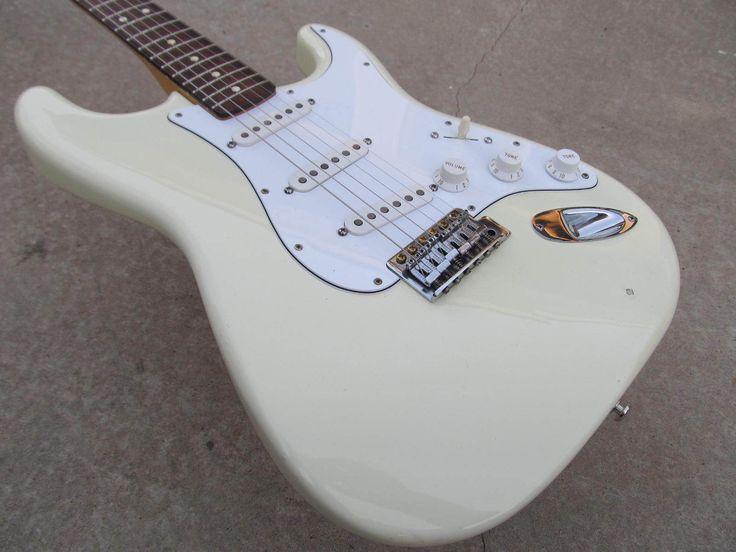 #guitar Fender Mexican Stratocaster Arctic White 2000 USA pickups MIM Strat guitar please retweet