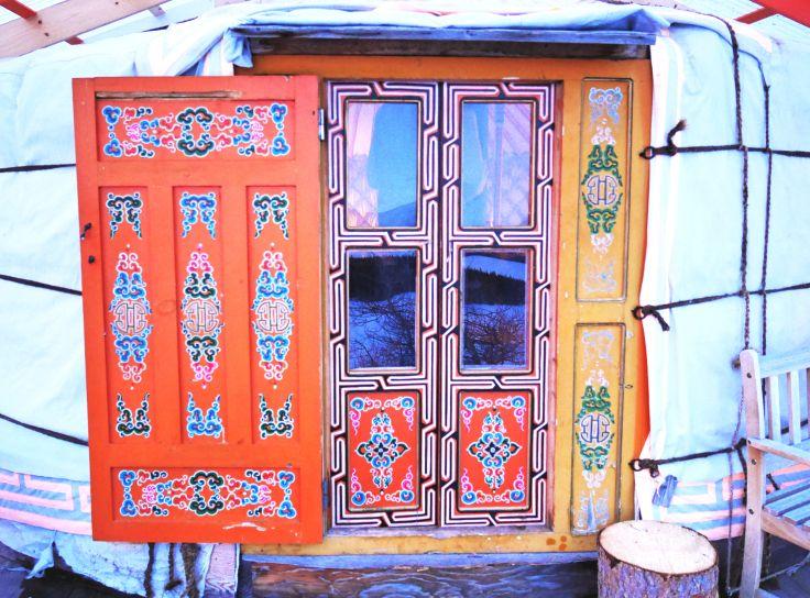 10 id es propos de mongolian yurt sur pinterest for Meuble yourte