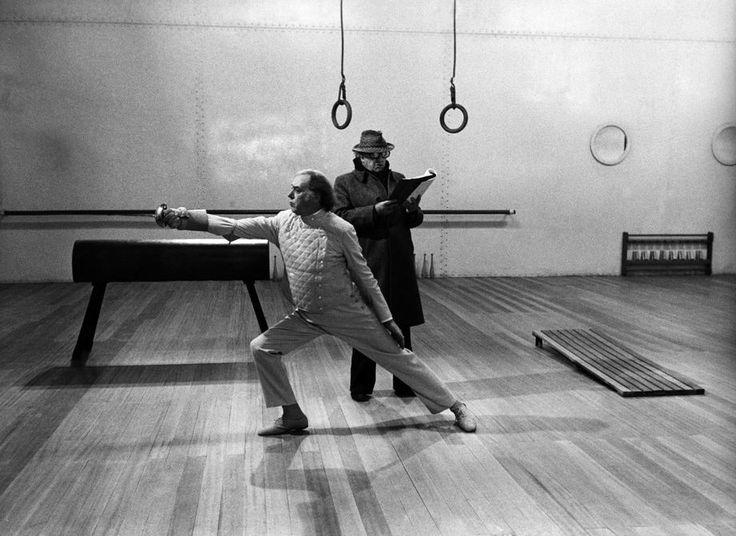 Federico Fellini on the set