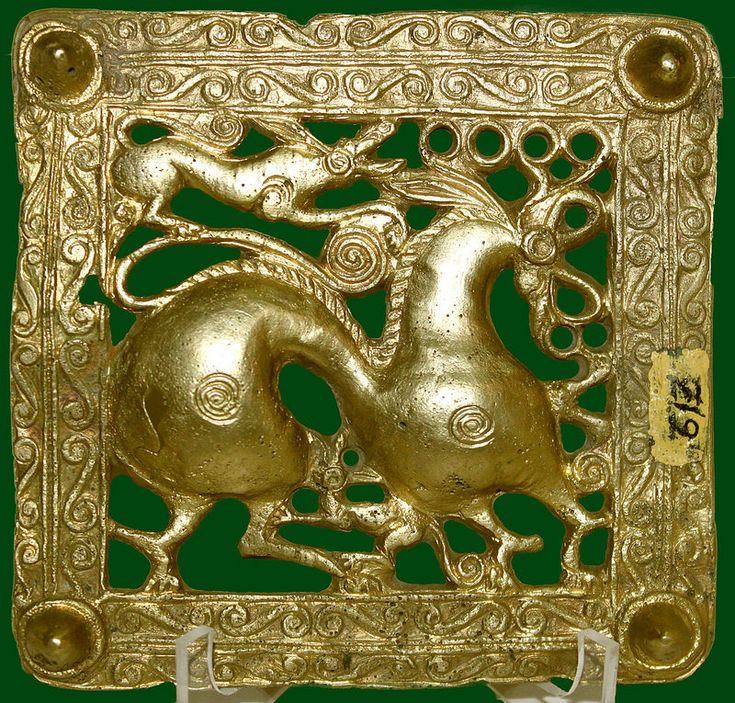 Griffin attacking a deer - Scythian golden artwork Griffin attacking a deer - Scythian golden artwork Gold scythian belt title from Mingachevir, Azerbaijan [7th cent BC] St Petersburg Hermitage